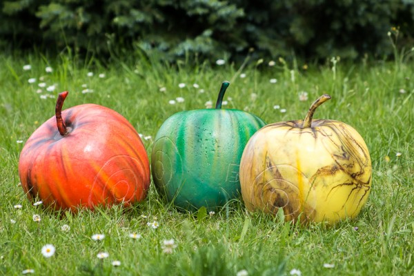 Gartenfigur Apfel
